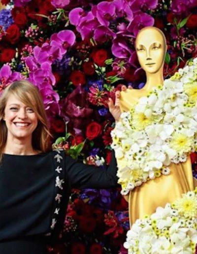 Heike Makatsch vor Blütenwand auf dem Deutschen Filmpreis - © Fleurop